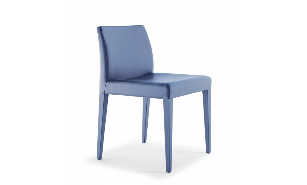 Poltrona Frau Liz Chair | Deplain.com