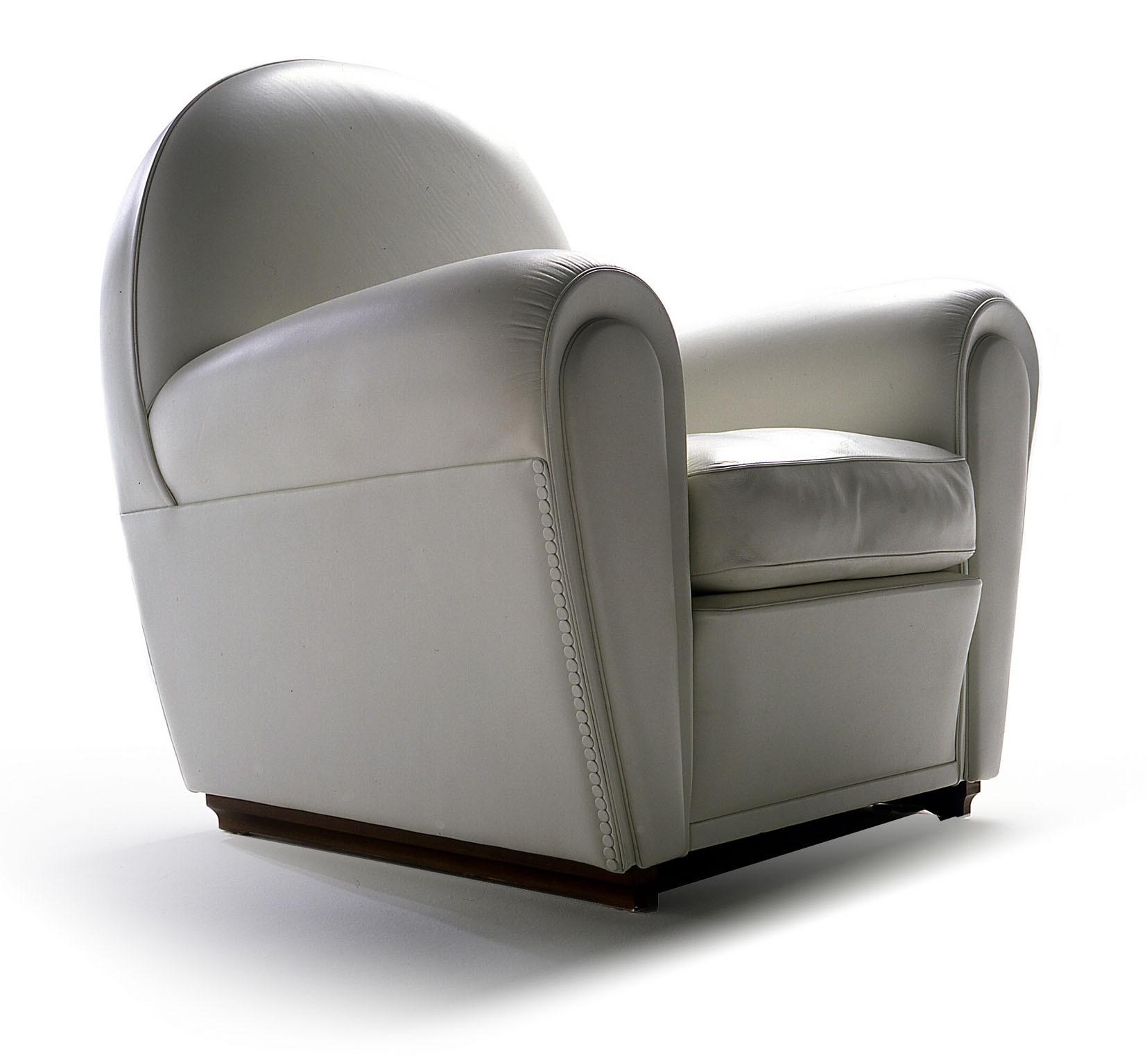 Poltrona Frau Vanity Fair Armchair | Deplain.com