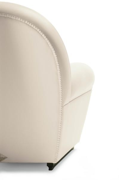Poltrona Frau Vanity Fair White Armchair | Deplain.com