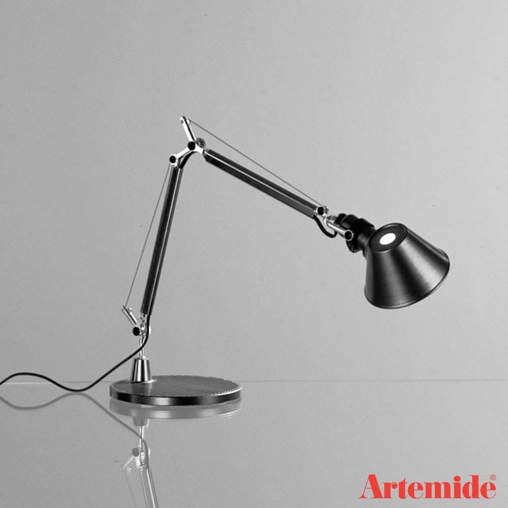 tolomeo micro lampada da tavolo artemide acquista online deplai. Black Bedroom Furniture Sets. Home Design Ideas